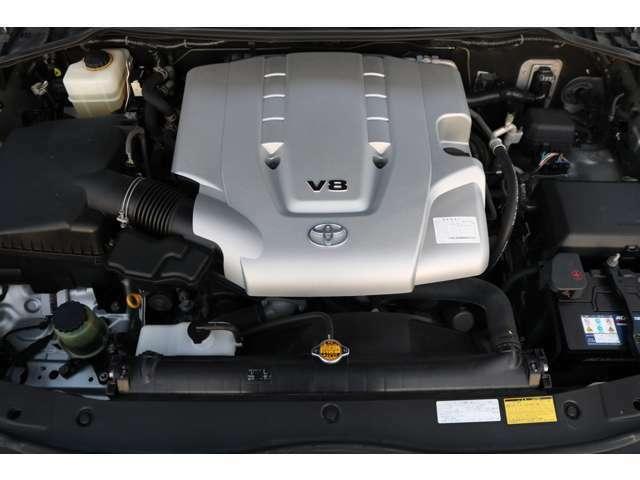 V8・4700エンジン!パワー不足を感じさせません!状態も綺麗ですよ!