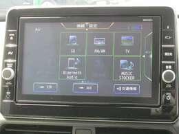 ブルートゥース接続・DVDビデオ再生機能・TV・ラジオ視聴・SDカードへのCD音楽録音が可能です。