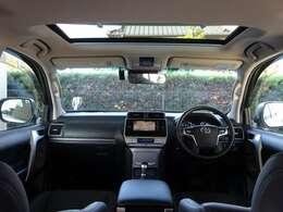 数少ない!サンルーフに黒本革の7人乗り☆走行距離2万キロなので車内も綺麗♪ドライブ装備や安全装備も揃っております!ナビにTV・BT音楽も可能!走行中に視聴も可能☆充実した機能でドライブも楽しくなります