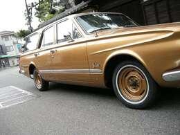 スチールホイールはボディに合わせて塗装、リボンタイヤも交換済みです。