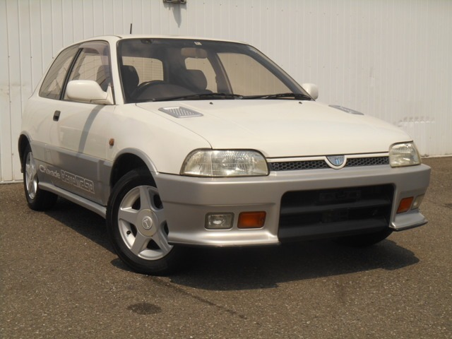 ダイハツの小型車シャレード(CHARADE)をスポーツチューニングしたモデルが、シャレードデ・トマソ(DETOMASO)です
