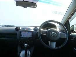 前方視界だけでなくサイドガラスも見やすく工夫した見切りの運転しやすい車です。