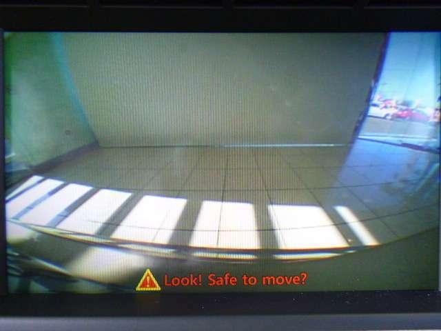 バックカメラ付きなので死角の多いバック操作や車庫入れ時にも安全に運転が出来ます