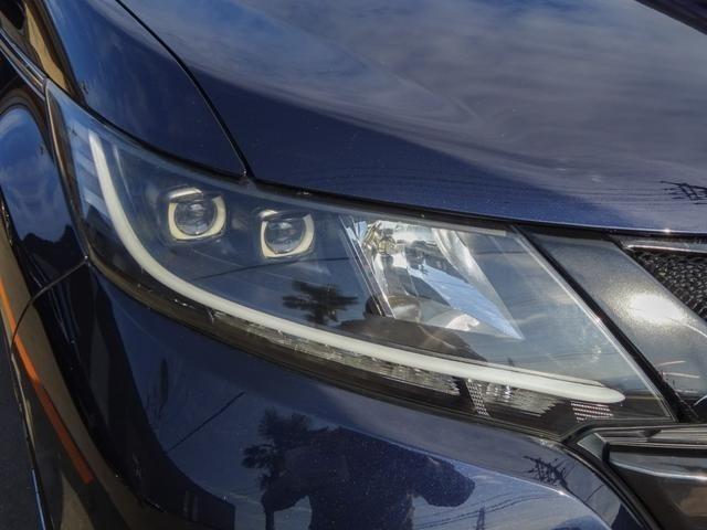 加工インナーブラックLEDイカリング付ヘッドライトを装着!フロントフェイスが変わるだけでガラッと印象が変わり一際存在感を放っています☆これだけカスタムしてあればお得♪夜間のドライブも楽しくなります!