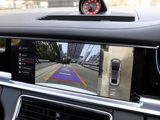 サラウンドビュー付パーキングアシストシステムを標準装備。上空から見た映像を見ながら駐車できます。