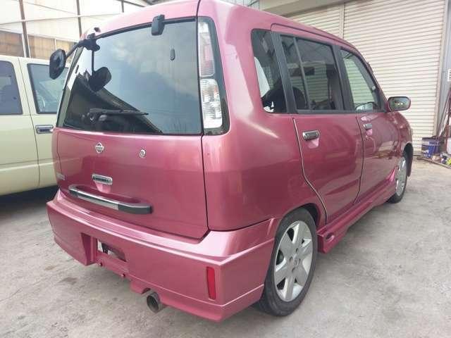 赤系色の宿命、若干の色トビは有るものの全体的に非常に綺麗な車両です。