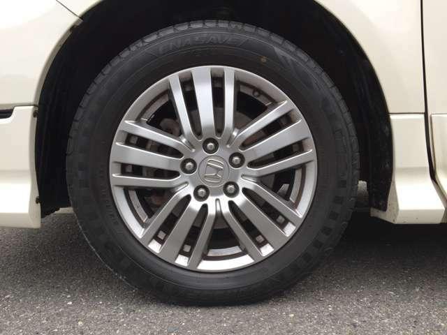 「純正アルミホイール」 純正17インチアルミホイール!タイヤの溝もまだまだこれからです♪