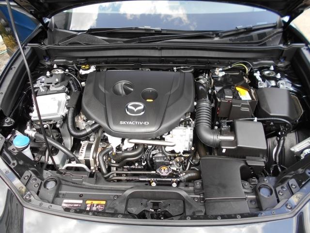 1.8L直列4気筒DOHC16バルブディーゼルターボエンジンは、2.7L並みのトルクによる余裕の走りと、低燃費+軽油使用による高い経済性を両立しています!パワフルでお財布にやさしいエンジンです!