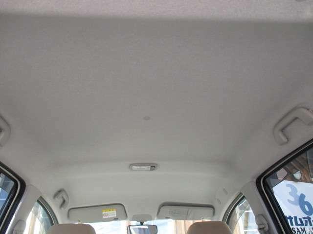 天井汚れや、嫌な臭いも無く大変気持ちよくお使いいただけるお車です!