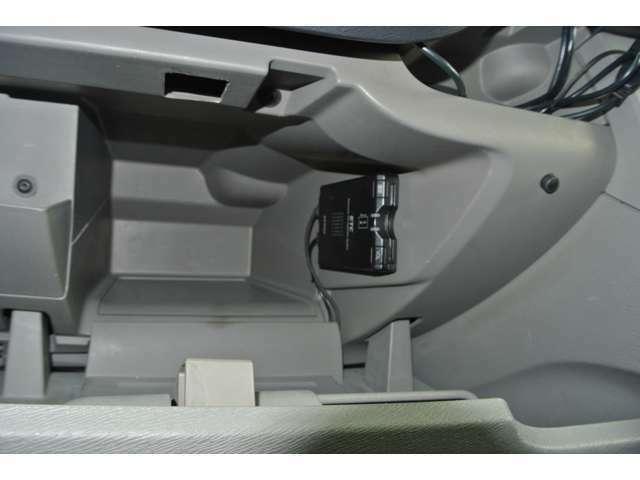 高速道路で大変便利なETCはサイドシート側に装備されております!