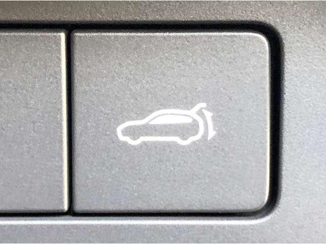 【パワーバックドア】スイッチひとつでバックドアをオート全開・全閉・一時停止できます!