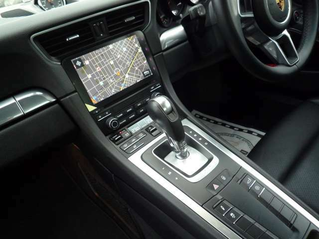 Apple CarPlay 対応後期専用ナビ