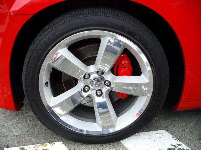 専用20インチアルミ!高性能『ブレンボ』ブレーキキャリパー!タイヤサイズは245/45ZR20です。