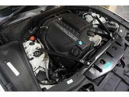 当然ですがエンジンの始動は良好で、アイドリングも静かに安定しており、例えば信号待ちなどで不快な振動を感じる事もありません。