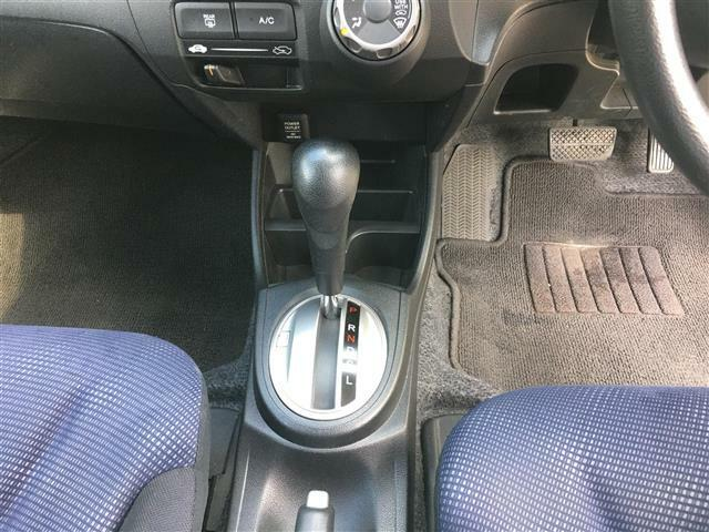 ワンオーナー CD AUX オーディオ ヘッドライトレベライザー サイドミラーウィンカー 運転席シートリフター キーレス  スペアキー フロアマット