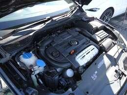 1400ccにターボとスーパーチャージャーを搭載しているTSIエンジンです。