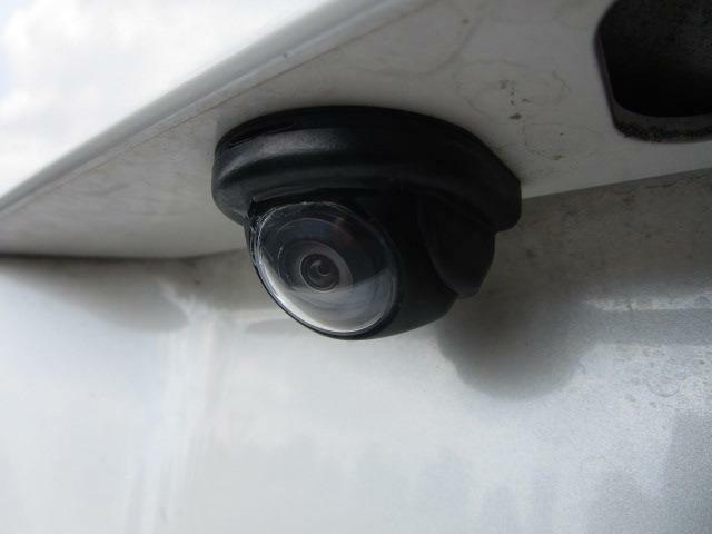 ■ 装備2 ■ バックカメラ:苦手な駐車もこれがあれば安心!