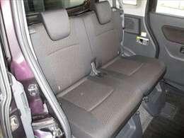 綺麗・清潔なリヤシートです。クリーニング&抗菌処理済みですので、お子様を乗せる際も安心です!