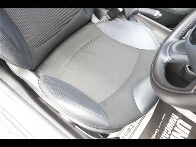 「ハーフレザーシート」人気メーカオプション。高級感溢れる車内を演出します
