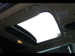 【サンルーフ】人気メーカオプション。開放感溢れる車内を演出します☆