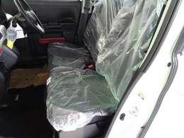 幅をたっぷりと確保したフロントシートです!