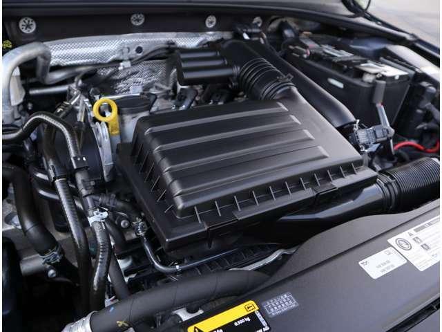 TSIエンジン!高出力と低燃費を両立したTSIエンジン。力強いパワーを発揮、その上ハイブリットに迫る燃費を実現。MTがベースの7速DSGトランスミッションで切れのある走りが楽しめます。