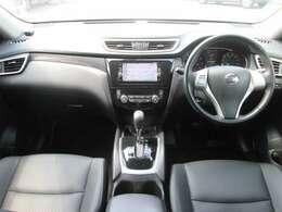 窓が広く確認しやすい運転席です!