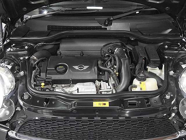BMW製1.6L直列4気筒ターボエンジン。184PS/240Nm(カタログ値)