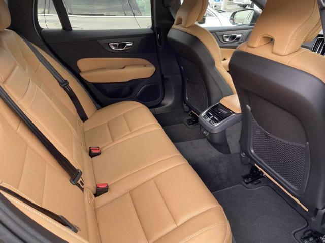 長時間乗っても疲れにくい適度な堅さサポートがより快適なドライブを支えます。