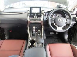 4WD・L-TEXレザー・プリクラッシュS・全車速レーダークルーズ・ヒーター付パワーシート・ステアヒーター・S&Bカメラ・BTオーディオ・パドルシフト・オートドアミラー・ETC・17AW・LEDライト