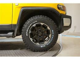 装着するアルミホイールは「ロックケリーMX-I」17インチ!タイヤはBFグッドリッチオールテレーン装着!