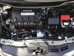 HondaのIMAハイブリッドは「軽く」「小さく」を追求。エンジンには、燃料を効率的に使って大きなパワーを生み出す1.3L i-VTECを採用。