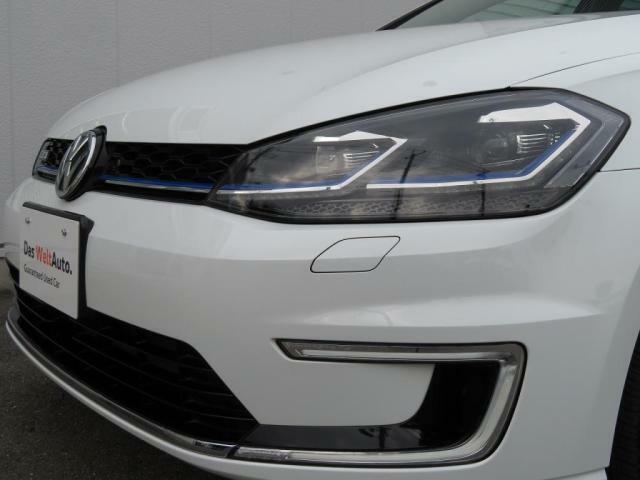 LEDヘッドライト:エネルギーの消費を抑えながら、高い輝度によってドライバーの視界を確保。