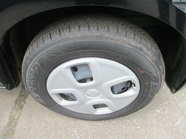 タイヤはさほど使用感ありません。純正の13インチホイール装着