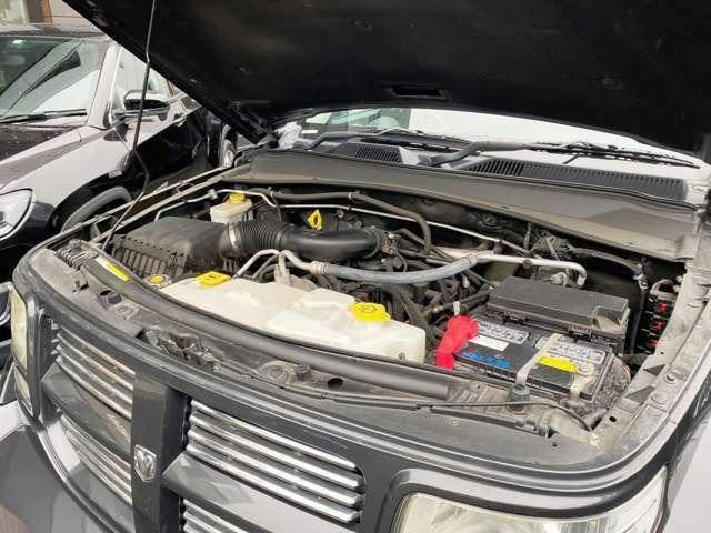 3.7LのエンジンはV6エンジンということもあり低速からパワフルな走行をしてくれます!