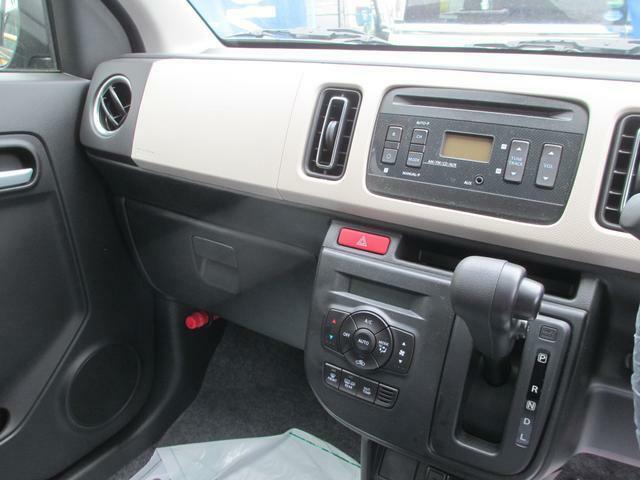 CDプレーヤー&オートエアコンは標準装備
