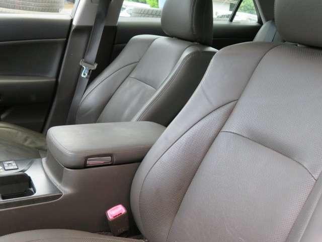 整備スタッフと営業スタッフが、販売から車検整備・板金塗装・自動車保険まで、あなたのカーライフをフルサポート致します。