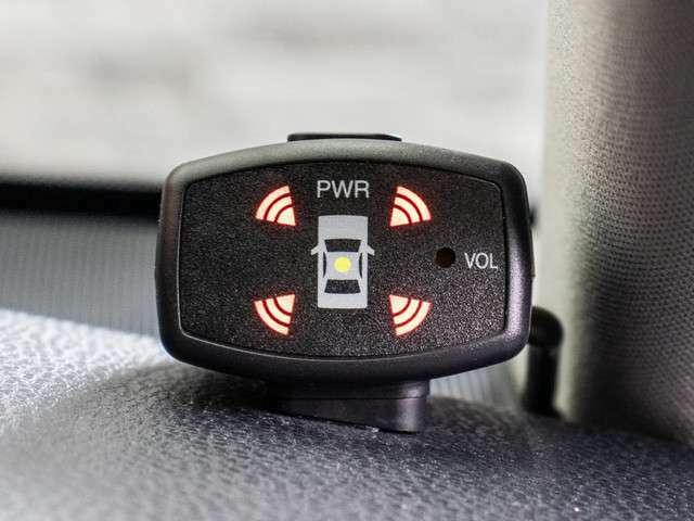 ★前後コーナーセンサーが付いています!フロント&リアにセンサーがあり、障害物に近づくと警告音が鳴ります!すごく便利な人気装備です!!