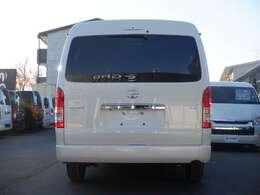 4列シート/10人乗り/SD地デジナビ/Bカメラ/ETC/パノラミックビューモニター/デジタルインナーミラー/トヨタセーフティーセンス/スマートキー/パワースライドドア/LEDヘッドライト