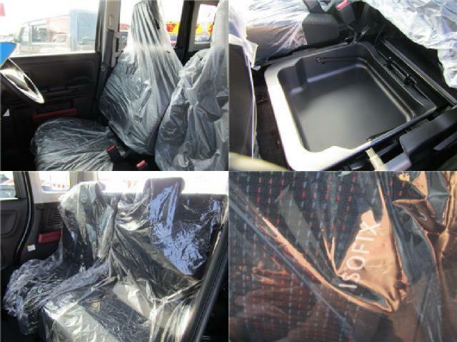 助手席シート下に収納あります!