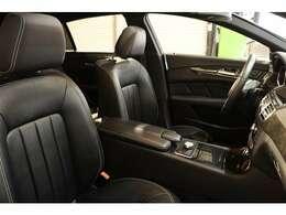 内装には上質なブラックレザーシートを設定!メモリー機能付きパワーシート、全席シートヒーター、ランバーサポートなど多機能設計でカーライフをサポートします!