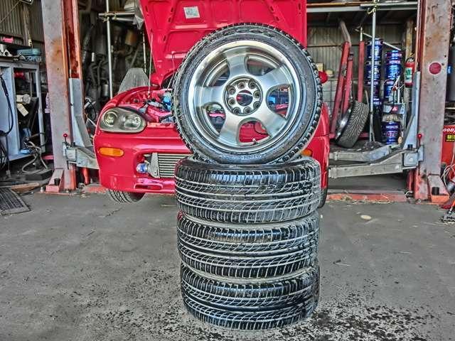 一番自慢のOZレーシング15インチ深リム!タイヤの外径もギリギリはけるサイズにアップ!車高を元通り下げて履かせれば地上高確保しつつタイヤハウスいっぱいでカッコいいのですが、乗られる方次第!