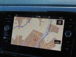 Volkswagen純正インフォテイメントシステムDiscover Pro搭載。8インチタッチスクリーンで高い視認性とスムーズな操作性を実現。Volkswagen Media Controlアプリで後席から操作も出来ます。