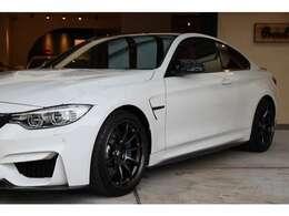 弊社ホームページに【BMWM4クーペの関連ブログ掲載中!】※入庫からネット掲載までの車輛仕上げに関連する内容が含まれます。弊社では細部までこだわり一台一台気持ちを込めて仕上げています。