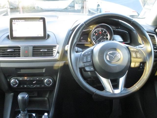 乗り込むたびに惚れ惚れするインテリア♪一緒にドライブを楽しむ方との空間を、より一層特別な空間へと変えてくれますよ!