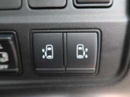 両側電動スライドドア♪ ミニバンには是非欲しい装備の1つです!