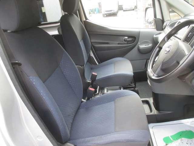 フロントシートも大変綺麗に保たれております!