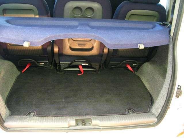 室内の状態はシートやカーペットルーフライニングなどに大きなシミや汚れ、破れなど見受けられません。