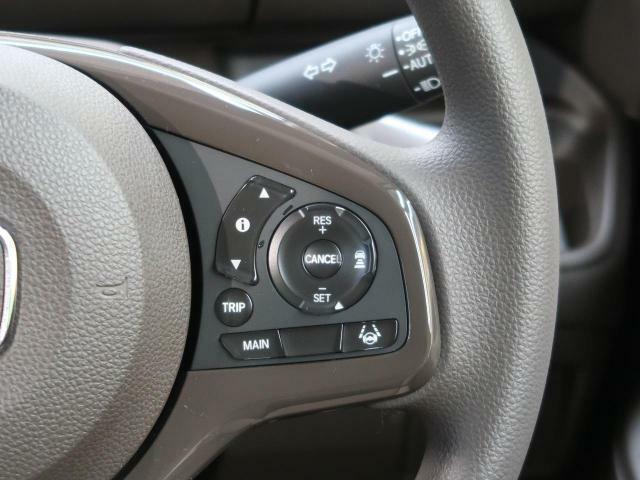 【アダプティブクルーズコントロール】先行車追従型クルーズコントロール!アクセルやブレーキを制御し適切な車間距離を保ちます♪さらに車線の中央を走るように制御してくれます!!!