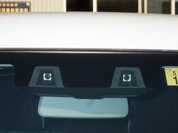人と車を感知し衝突被害を軽減するデュアルカメラブレーキサポートを搭載!
